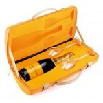 """Pack especial Champagne Veuve Clicquot: """"TRAVELLER + 2 COPAS"""""""